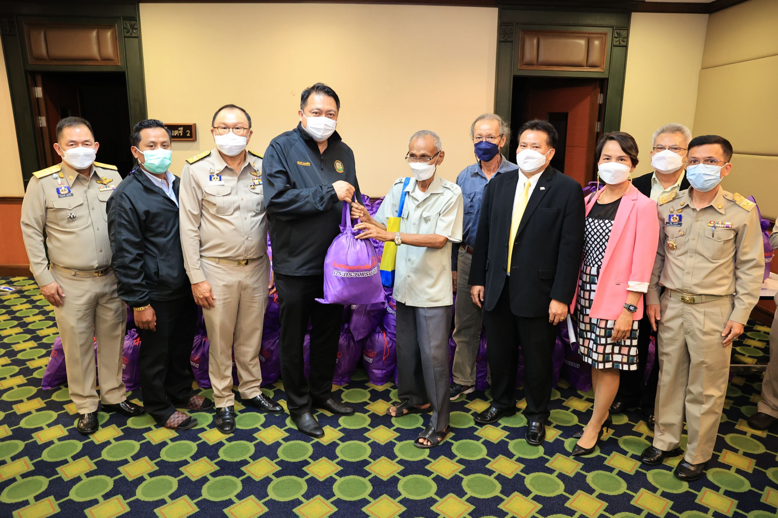 MOL Delivers Relief Bags to the Thai Labour Museum Foundation